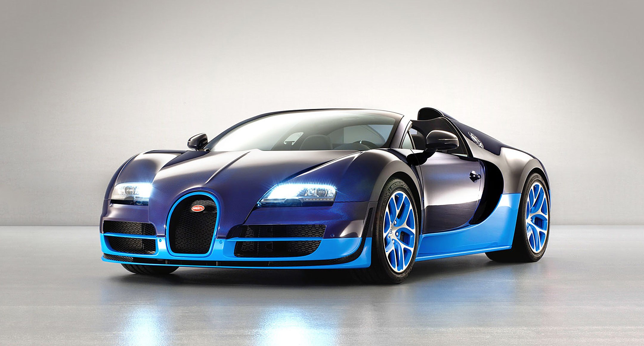 unveiled bugatti veyron grand sport vitesse the gentleman 39 s journal. Black Bedroom Furniture Sets. Home Design Ideas