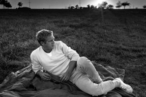 Steve McQueen in neutral and white clothes