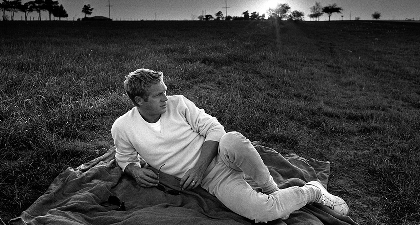 how to dress like steve mcqueen the gentleman 39 s journal. Black Bedroom Furniture Sets. Home Design Ideas