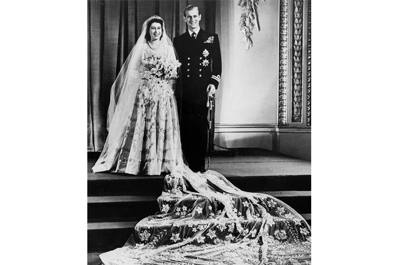 1947 - The Queen and The Duke of Edinburgh at Buckingham palace on their wedding day, the 20th November, 1947 (Getty Images)