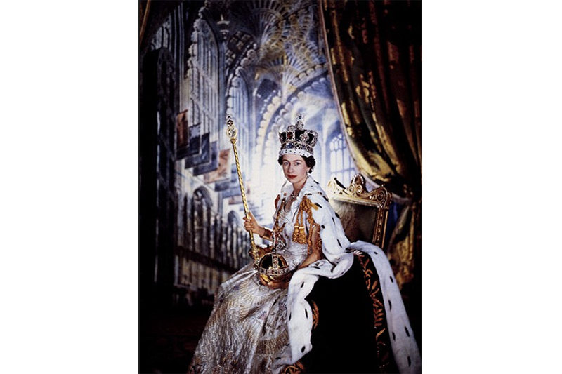 1953. Official Potrait taken by Cecil Beaton after the coronation. (Cecil Beaton - Camera Press)