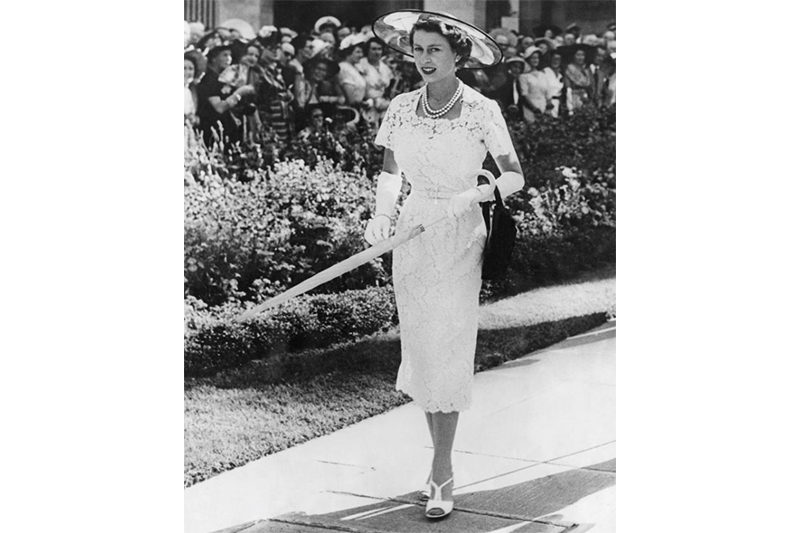 1954 - The Queen on her way to a garden party in Sydney during her first state visit to Australia. (Keystone, Getty Images)