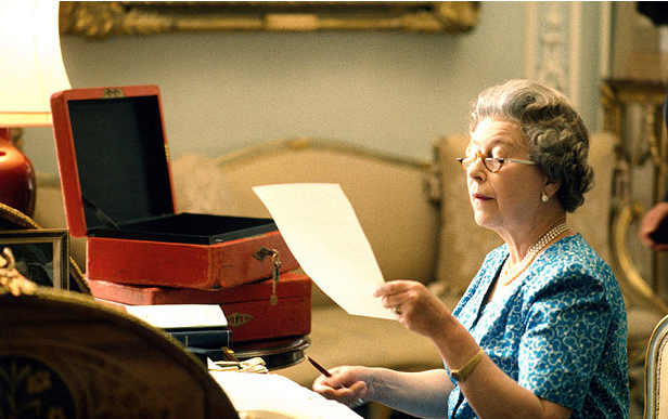 The Queen with her red box of official papers (David Secombe)