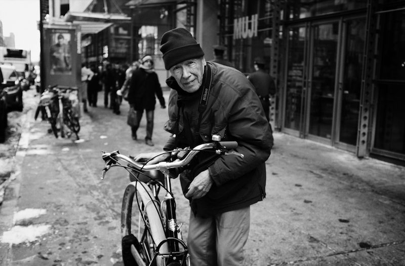 Bill+Cunningham+and+His+Bike+in+January