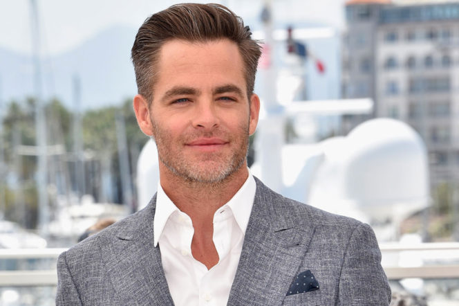 Chris Pine wearing linen blazer