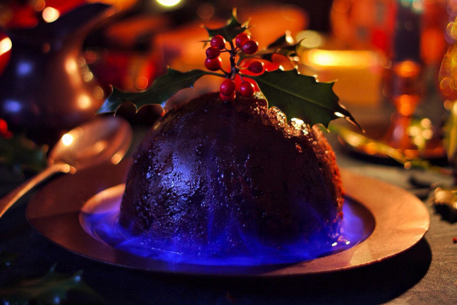 Christmas Pudding On Fire.How To Light A Christmas Pudding The Gentleman S Journal