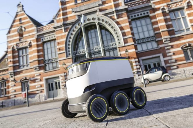 Hermes robot courier