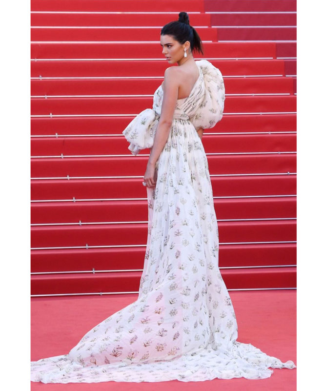 120 Beats Per Minute premiere - May 20 2017 Kendall Jenner in a Giambattista Valli Couture creation