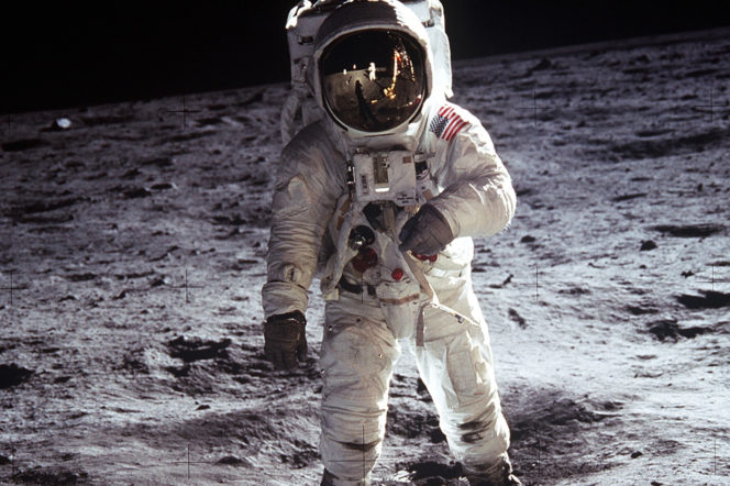 Buzz Aldrin talks through his life in pictures