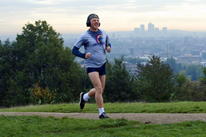 Simon Pegg in the film Run Fatboy Run