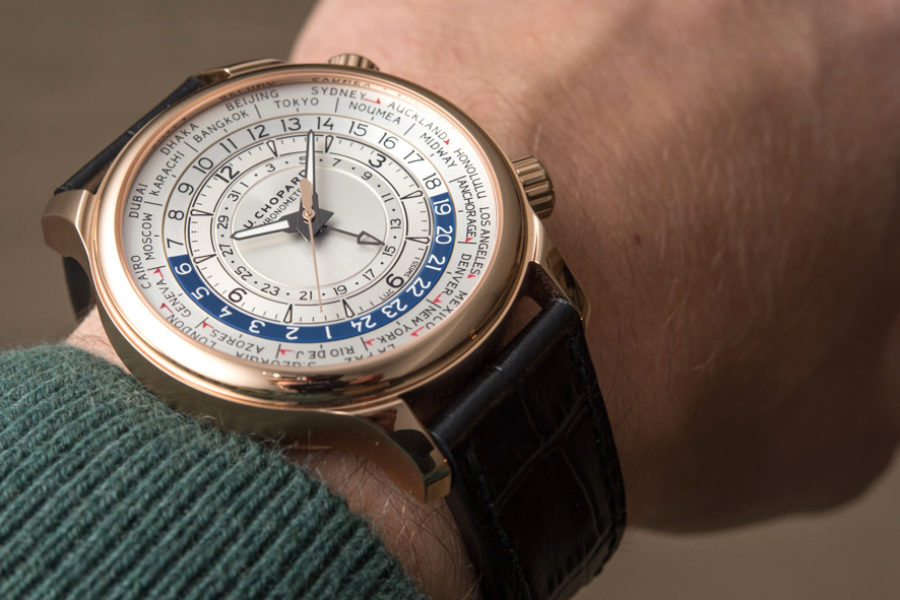 How to navigate using the hands of your watch