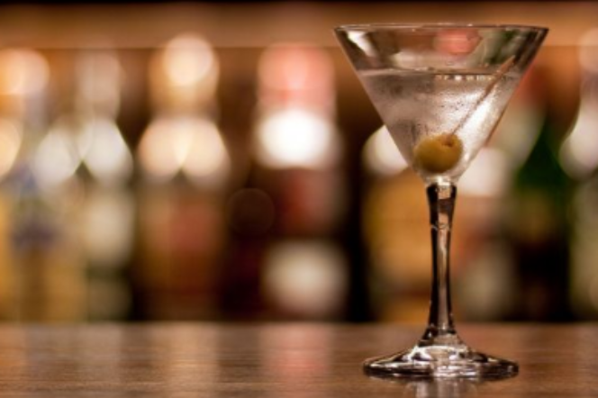 Five cocktails every man should know how to order