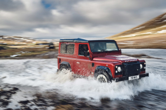 Watch: Land Rover's new 2018 Defender in action