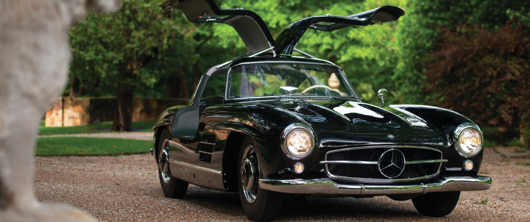 This 1954 gull-wing Mercedes-Benz is pure black magic ...