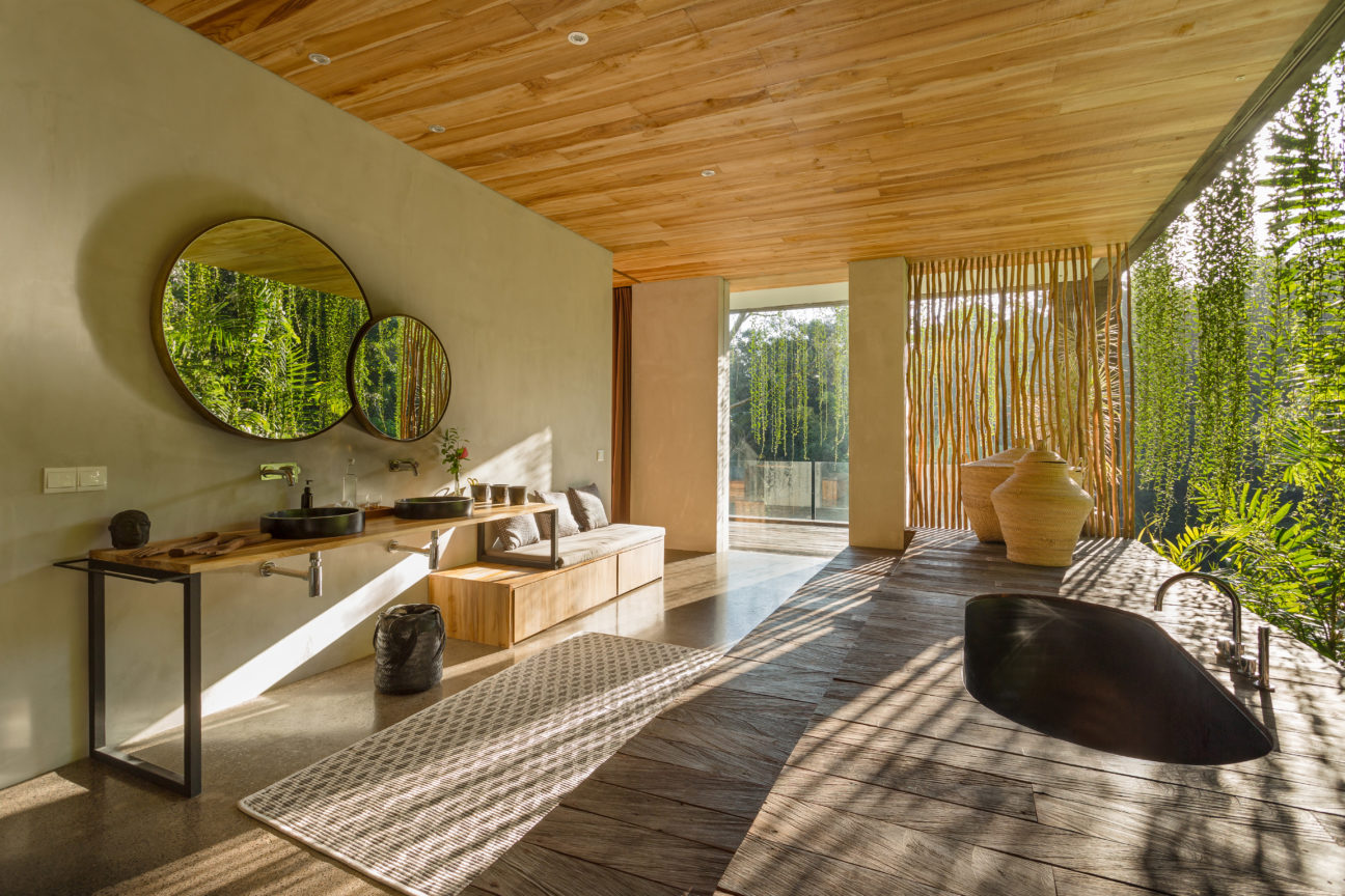 Luxury eco-home Villa Chameleon blends into the Bali forest