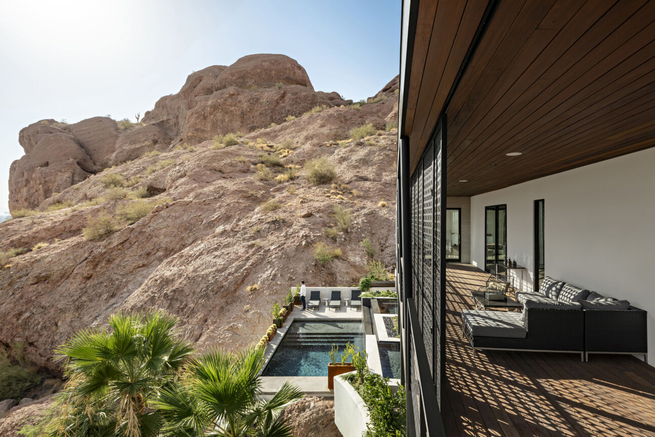 With this Red Rocks Ranch, you can live in your very own desert oasis