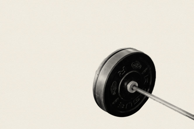 15 things no gentleman should ever do in the gym