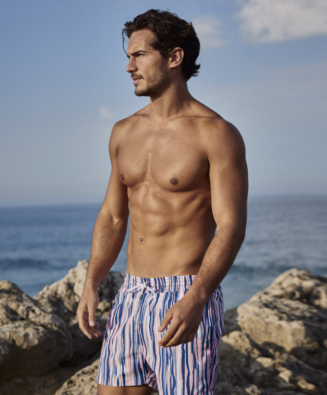 How to wear swim shorts well with Frescobol Carioca