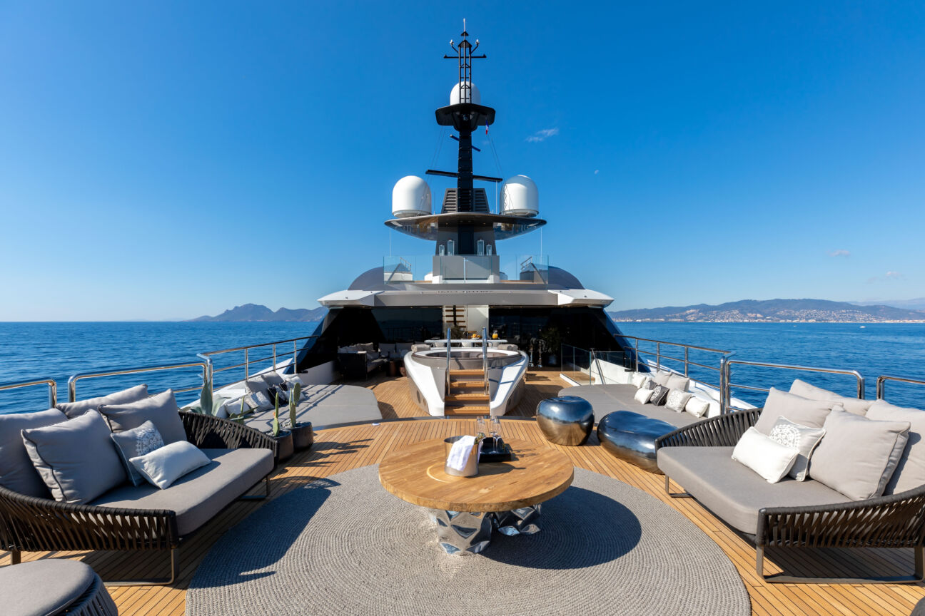 Flying Solo: Tankoa deliver their decadent new superyacht