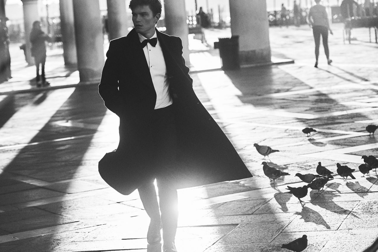 Oliver Cheshire showcases the best of AW18 eveningwear