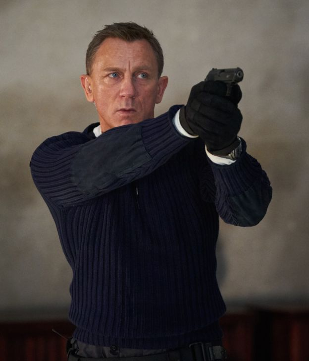 james bond brands product placement 007 n.peal jumper sweater