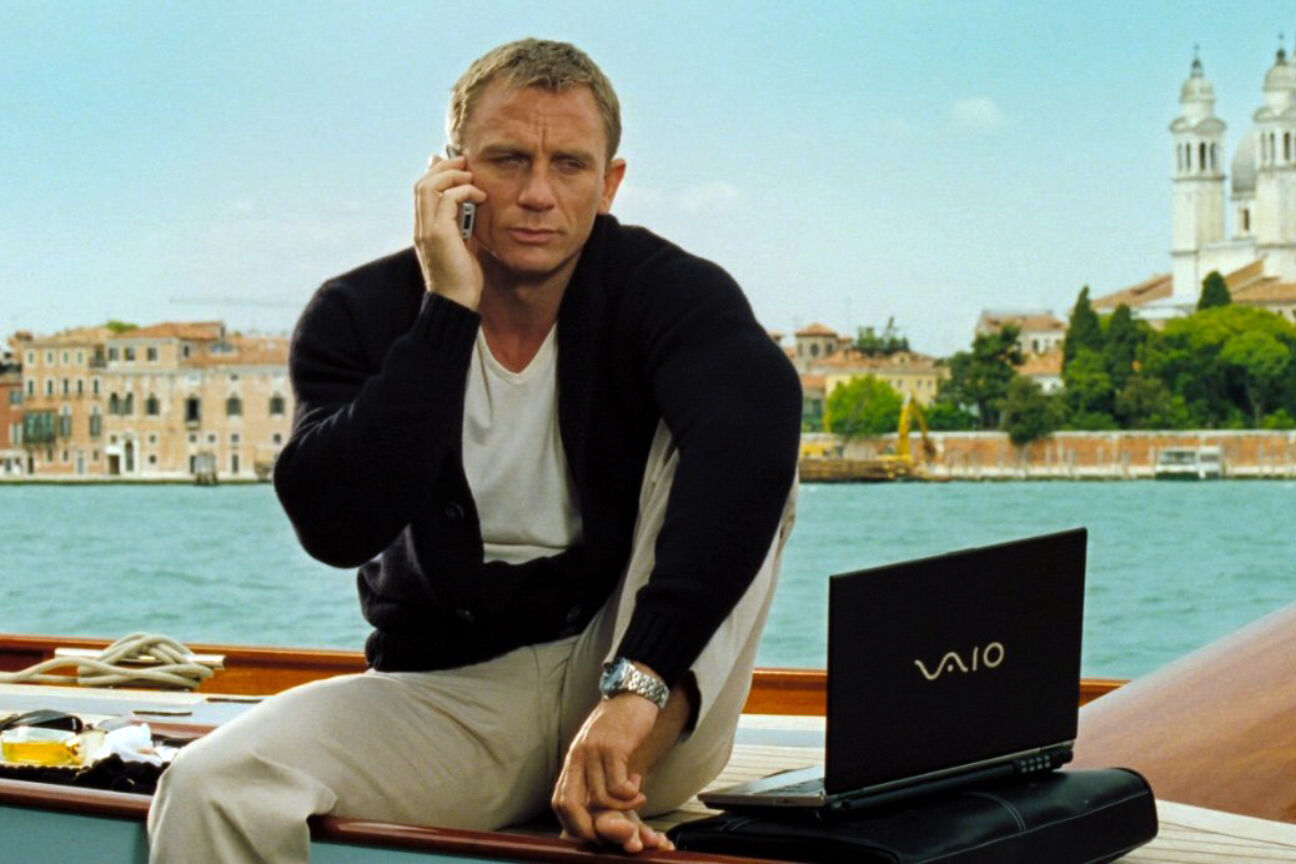 james bond brands product placement 007 sony vaio ericcson xperia