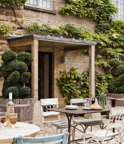 best destinations december travel guide safe holiday vacation wild rabbit cotswolds
